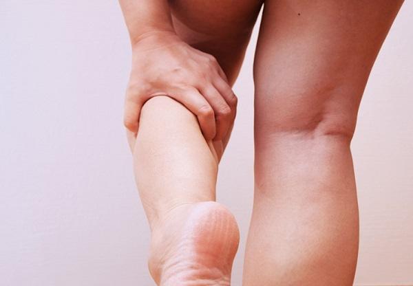 ból nogi po porodzie